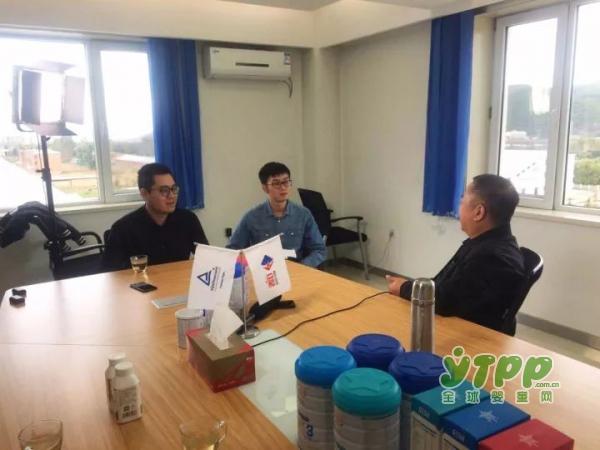 郑俊怀:红星是怎样炼成的 《商界》杂志纪实报道