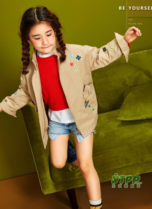 早秋不可或缺的元素  一起来看看各式各样的经典风衣吧!