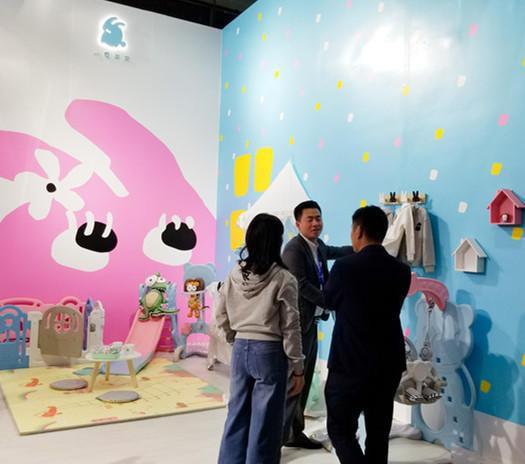 小兔来来首次亮相中国婴童展    共同见证小兔来来的新品发布
