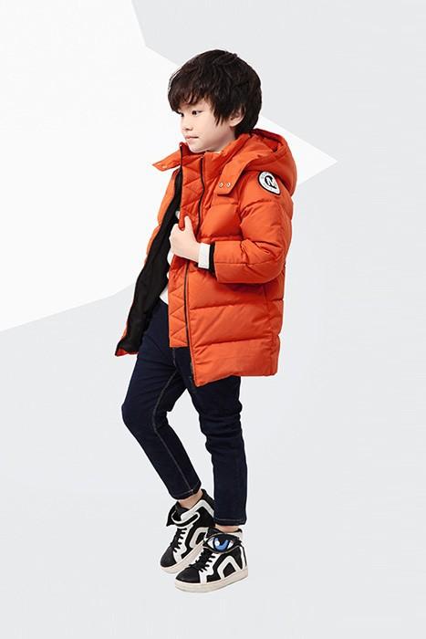 橘黄色棉服适合小朋友吗   橘红色棉服适合多大年龄穿