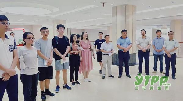 省第五批博士服务团及清华大学研究生莅临和氏乳业集团参观