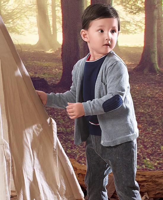 25度左右宝宝穿什么衣服好  杰茜杰瑞童装春末搭配来帮你啦