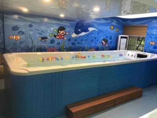 亲子印象游泳馆:剖腹产出来的孩子适合参加婴儿游泳吗?