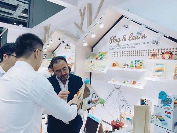 可来赛Classic World亮相2019上海CBME中国孕婴童展