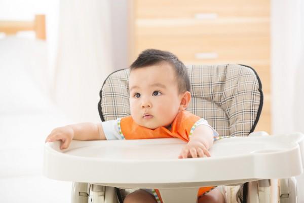 夜奶一晚上究竟喂几次?波咯咯恒温调奶器 调奶黑科技 只为品质母婴生活