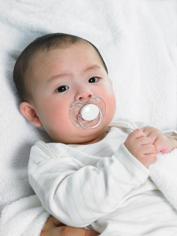宝宝萌牙不舒服怎么办?妈贝乐牙胶有效的缓解宝宝出牙的不适