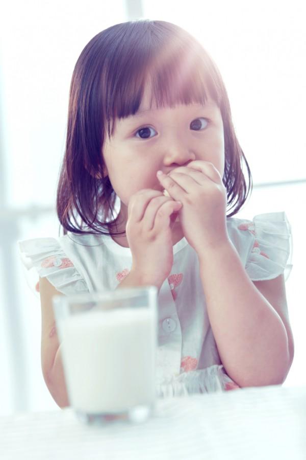 儿童奶粉应该怎么选    从五个方面来分析