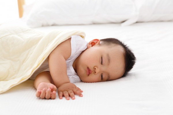 婴儿肠绞痛是什么原因造成的   肠绞痛怎么缓解呢