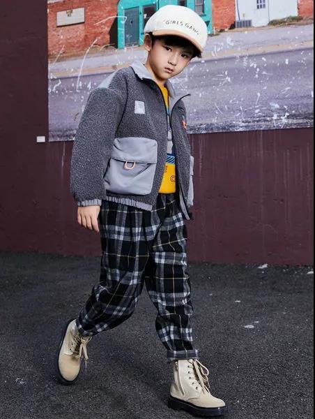 寒冬里也能做个酷酷的小达人,穿上淘气贝贝的保暖神器 让你温暖又帅气