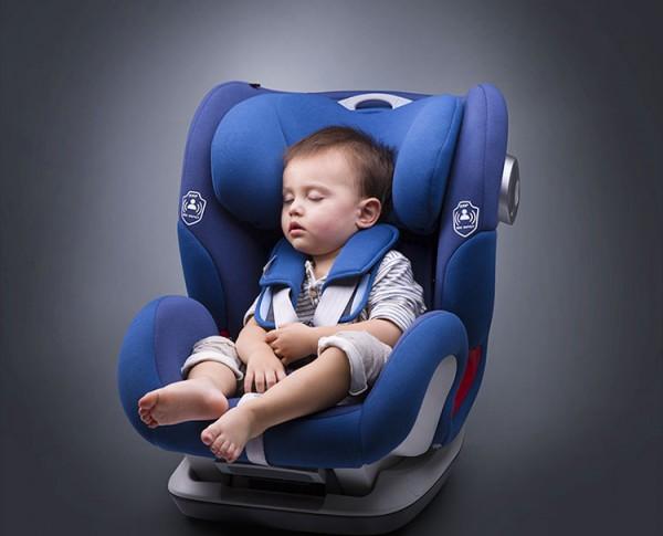 宝贝第一车载儿童安全座椅    侧撞主动防御减少头部伤害