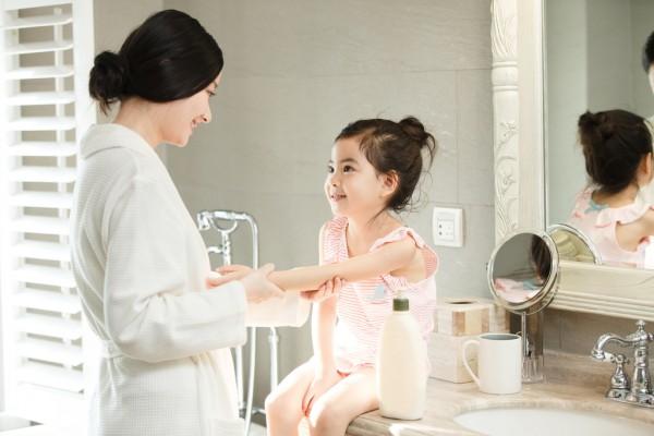 知幼婴儿益生菌泡泡洗手液 植物洁肤 温和滋润宝宝稚嫩的小手