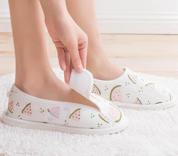 夏季坐月子选择什么鞋子  咕羊羊月子鞋产后防滑软底产妇鞋爱了