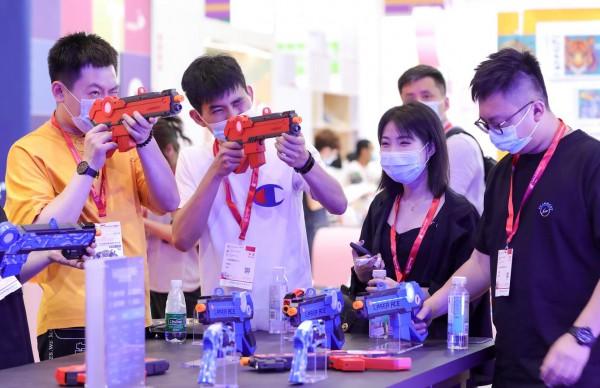 新品首发 达琦华声 LASER ACE 亮相深圳国际玩具展