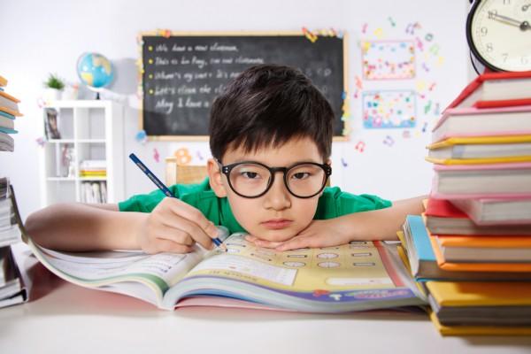 """小學""""學前班""""要取消了?教育部發布通知取消""""學前班"""" 家長該喜還是憂"""