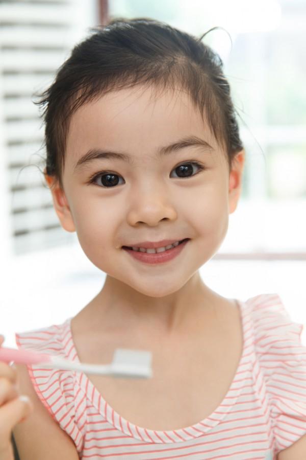 兒童牙膏含氟好不好 米阿卡益生菌兒童護齒牙膏怎么樣