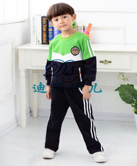 幼儿提裤子四个步骤