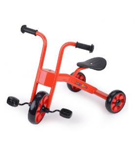 宝宝脚踏三轮车