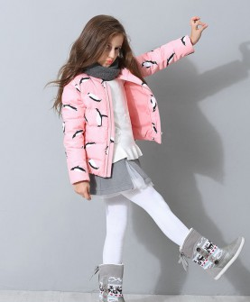 冬款女童粉色羽绒服