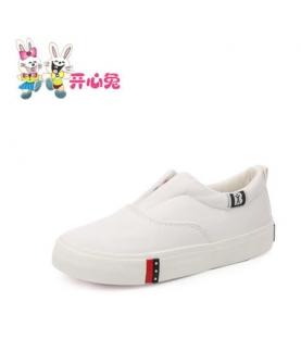 女童白球鞋