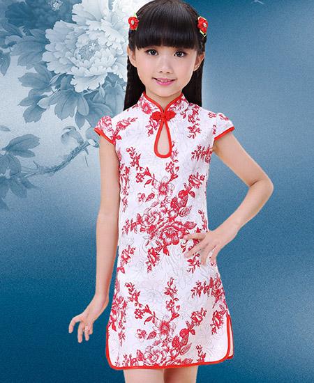 儿童红瓷花纹旗袍