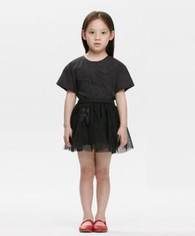 女童纯色连衣裙