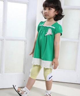 女童纯色简约娃娃衫