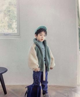 毛绒青色保暖外套