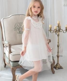 白色半透连衣裙