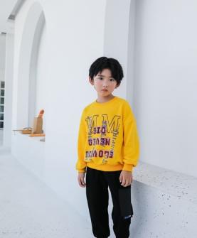 2020秋冬黄色时尚印花T恤
