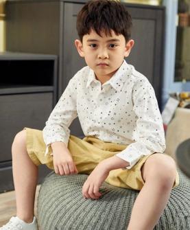 男童星星印花长袖衬衫